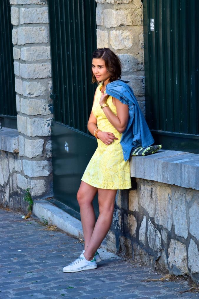 Comment porter le jaune